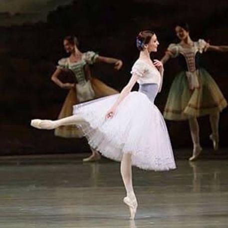 バレエ舞台画像